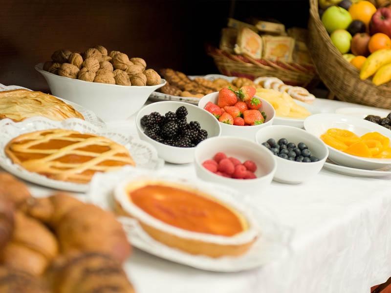 Foto hotelilviandante buffet torta